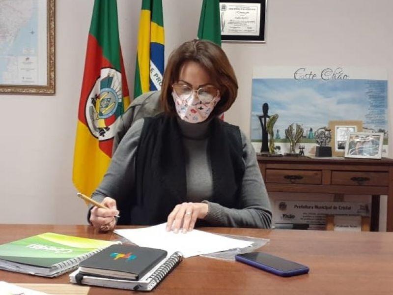 Foto de capa da notícia: Lei Municipal institui gratificação em determinado prazo