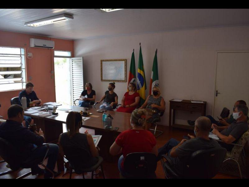 Foto de capa da notícia: Comitê do COVID