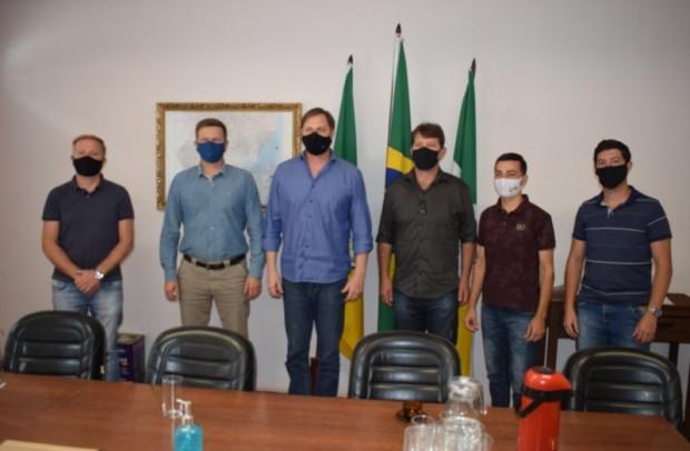Foto de capa da notícia: Deputado Federal Lucas Redecker visita o município de Cristal