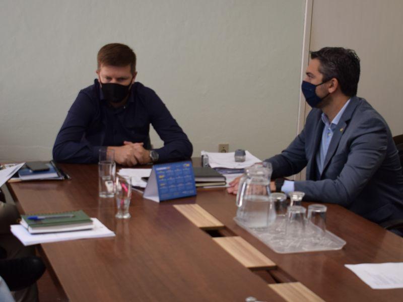 Foto de capa da notícia: Deputado Federal Daniel Trzeciak visita o Gabinete