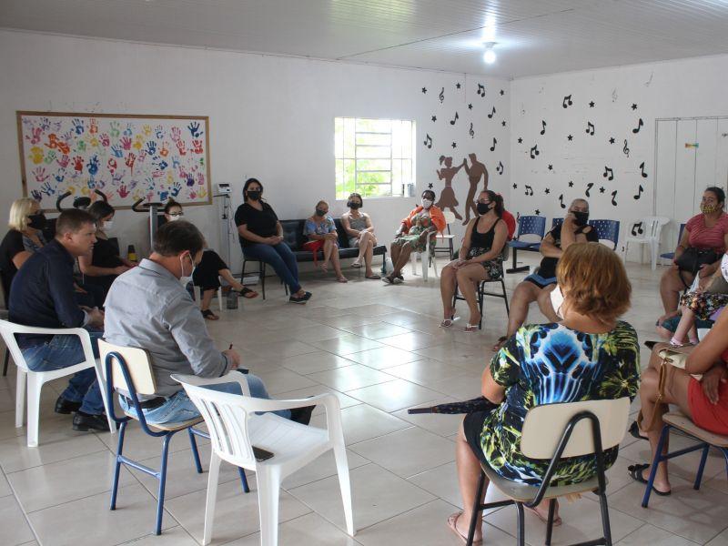 Foto de capa da notícia: Poder executivo reuniu-se com familiares e coordenadores do CIM