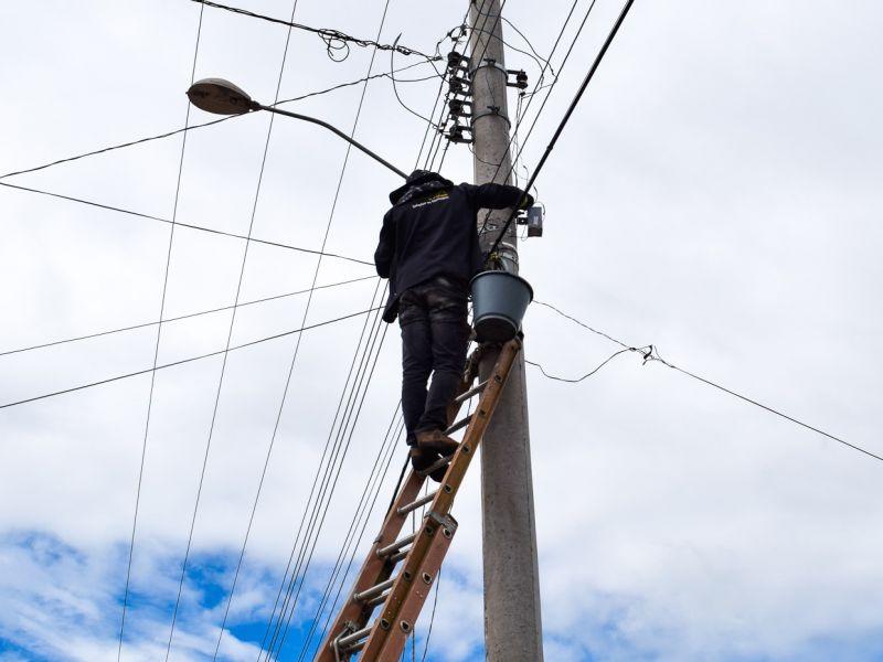 Foto de capa da notícia: Foram iniciados os reparos na iluminação pública nesta semana
