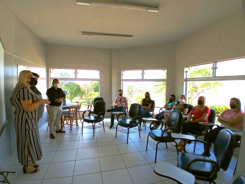 Foto de capa da notícia: Novos visitadores dos Programas PIM e Criança Feliz receberam capacitação inicial na última semana