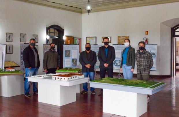 Foto de capa da notícia: Parque Bento Gonçalves recebe maquetes referente ao edital de concurso do Fundo de Apoio à Cultura Educação Patrimonial