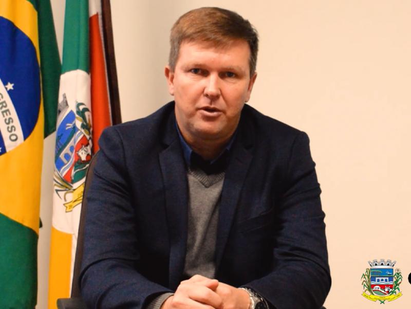 Foto de capa da notícia: Prefeito Municipal  Marcelo esclarece sobre o posicionamento da gestão do município de Cristal com relação a atual situação da Região 21