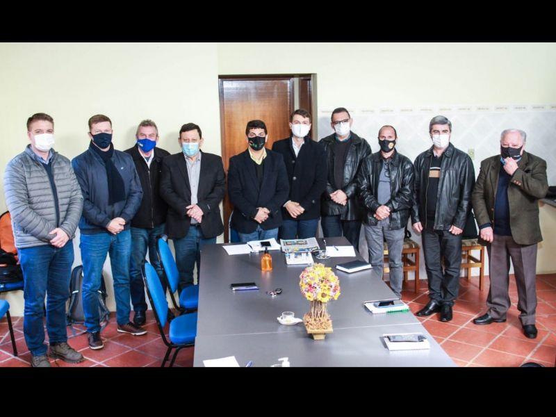 Foto de capa da notícia: Prefeito Marcelo reuniu-se com a Associação de Municípios da Região Costa Doce para discutir pautas importantes para a região