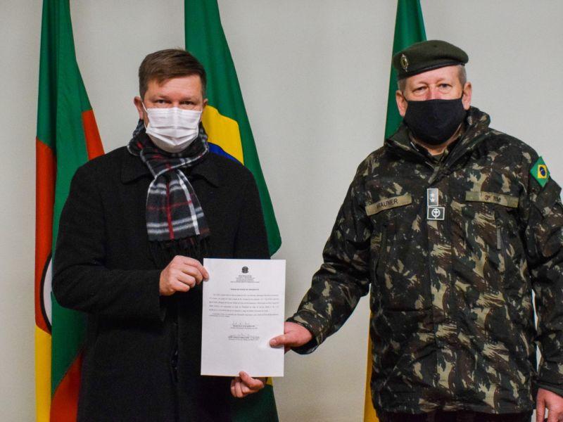 Foto de capa da notícia: Prefeito Marcelo Krolow é empossado como Presidente da Junta de Serviço Militar