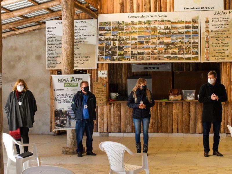Foto de capa da notícia: EMATER e Secretarias de Desenvolvimento Rural promovem reunião sobre o Programa de Aquisição de Terras (Terra Brasil)
