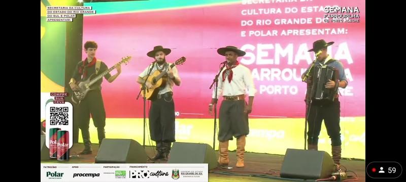 Foto de capa da notícia: Artistas cristalenses, Os Guapos Piazitos, levam a tradicionalidade gaúcha em eventos pelo Estado