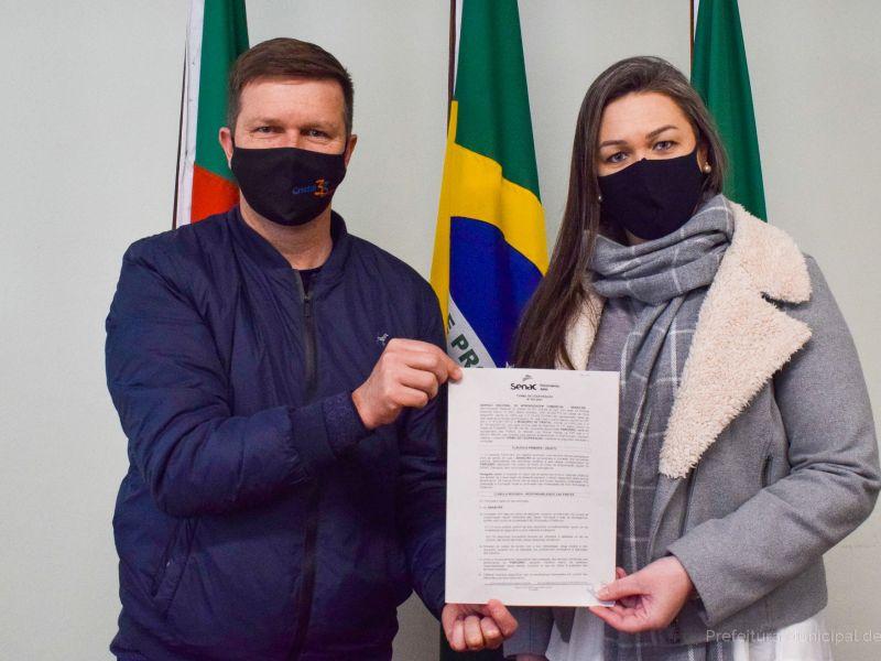 Foto de capa da notícia: Prefeitura de Cristal fecha parceria com o SENAC