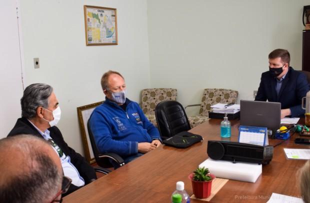 Foto de capa da notícia: Prefeito Marcelo reuniu-se com o engenheiro da DNIT, Vladimir Casa, para tratar sobre a da duplicação BR116