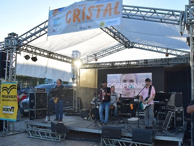 Foto de capa da notícia: Cristal comemora Aniversário de 31 Anos!
