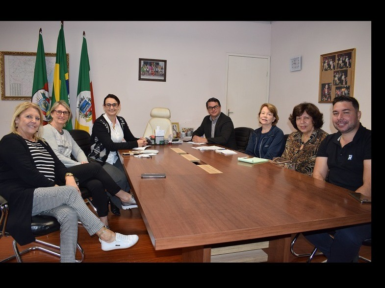 Foto de capa da notícia: Prefeitura apóia a Liga Feminina de Combate ao Câncer
