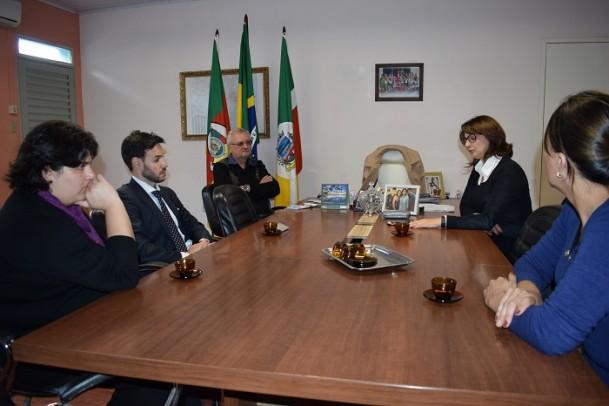 Foto de capa da notícia: Cônsul do Uruguai visita Cristal