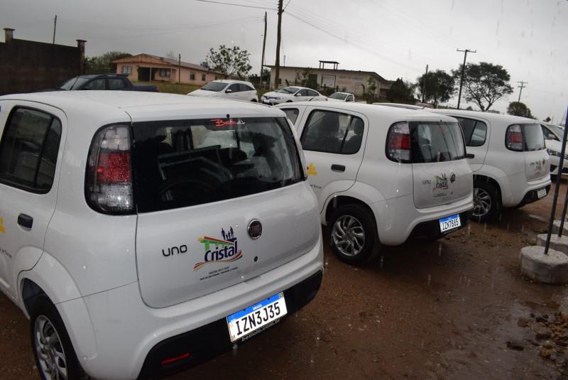 Foto de capa da notícia: Secretaria da Saúde recebe 3 novos carros