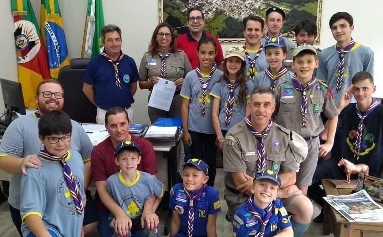 Foto de capa da notícia Administração Municipal de Ipê cede imóvel para o Grupo Escoteiro Ipê