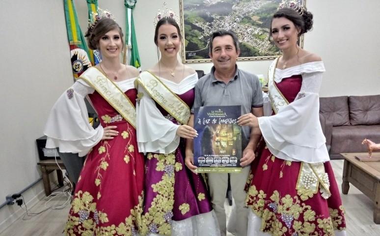 Foto da Notícia Comitiva da 14ª La Prima Vendemmia visita município de Ipê