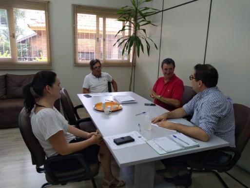 Foto de capa da notícia: Administração de Ipê adota recomendações do Governo Estadual sobre fechamento do comércio