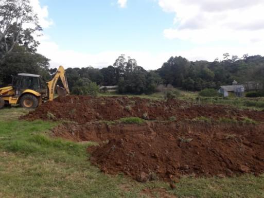 Foto de capa da notícia: Patrulha agrícola atuando na limpeza e escavação de silos