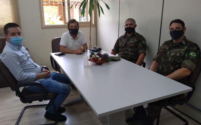 Foto de capa da notícia: Ipê recebe visita técnica de integrantes do exército
