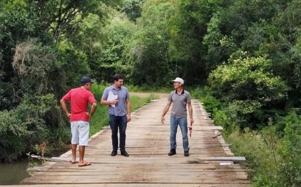 Foto de capa da notícia: Ponte do Faxinal recebe atenção especial.