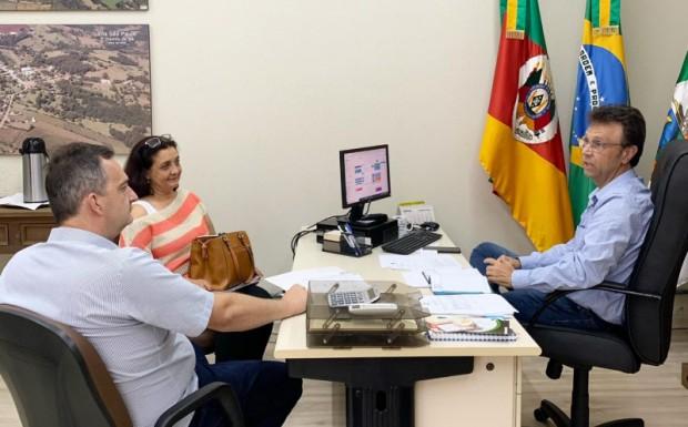 Foto de capa da notícia: Prefeitura de Ipê aumenta valor de repasse à APAE