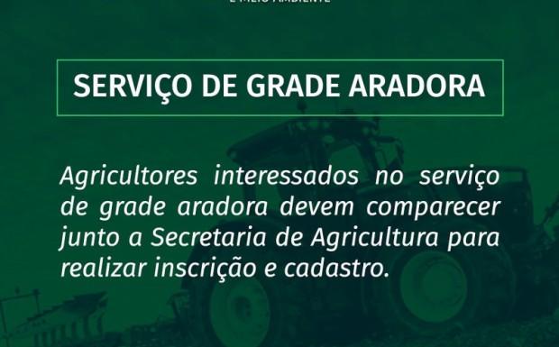 Foto de capa da notícia: PREFEITURA DISPONIBILIZA SERVIÇO DE GRADE ARADORA