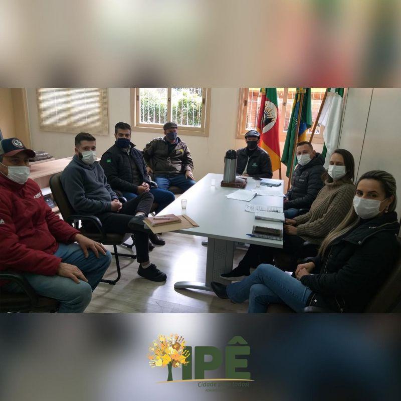 Foto de capa da notícia VICE-PREFEITO SE REÚNE COM ENTIDADE TRADICIONALISTA E AMUCSER