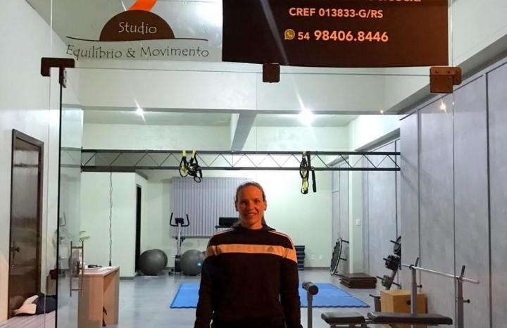 Natural de Campinas/SP,  Luciana Pulino Tasso Sciescia é a proprietária do Stúdio Equilíbrio & Movimento