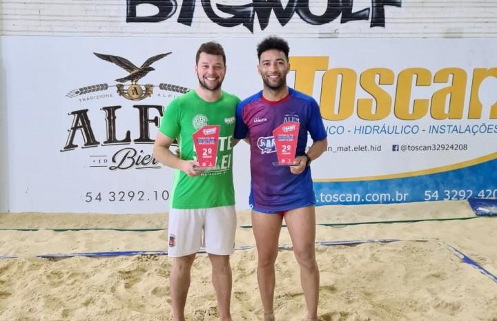 Cristian Menegat e Caxias Maciel ficaram com o 2º lugar