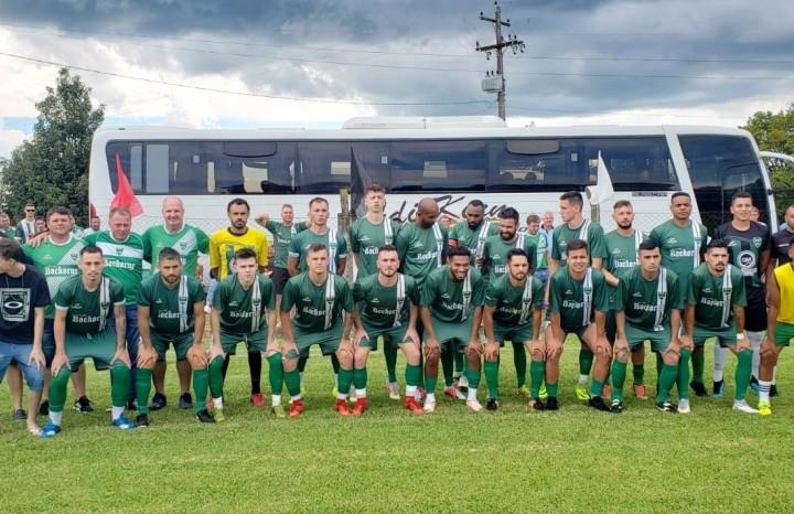 Direção, comissão técnica e atletas do Esporte Clube Gaúcho do Município de Ivoti