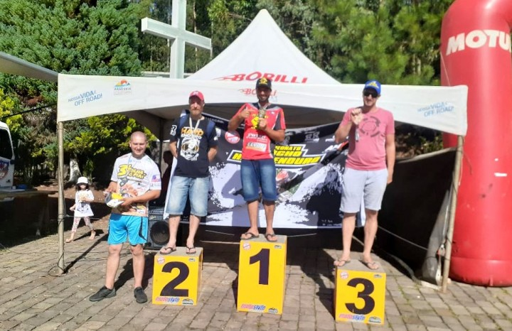 Na categoria Silver, a vitória ficou com o piloto Alex Basso