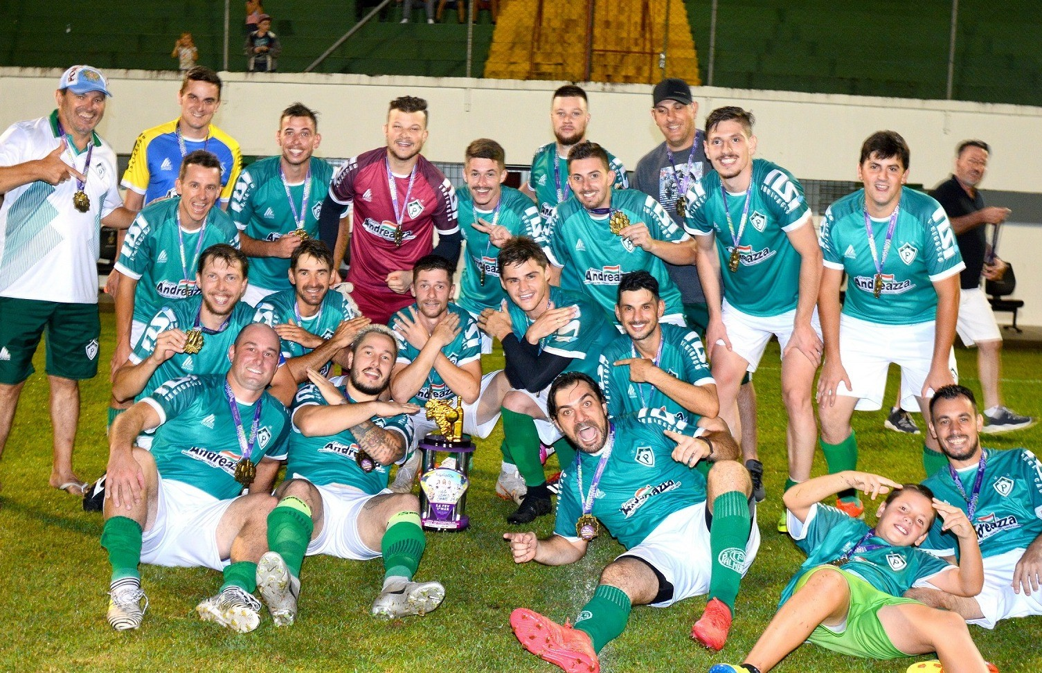 Palmeiras conquista o título da Copa FenaVindima de futebol de campo principal