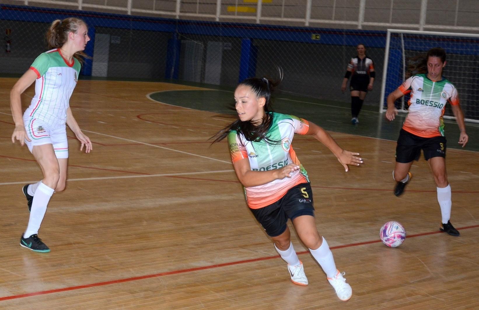 Flores da Cunha e 1º de Maio decidem a Copa FenaVindima de futsal feminino