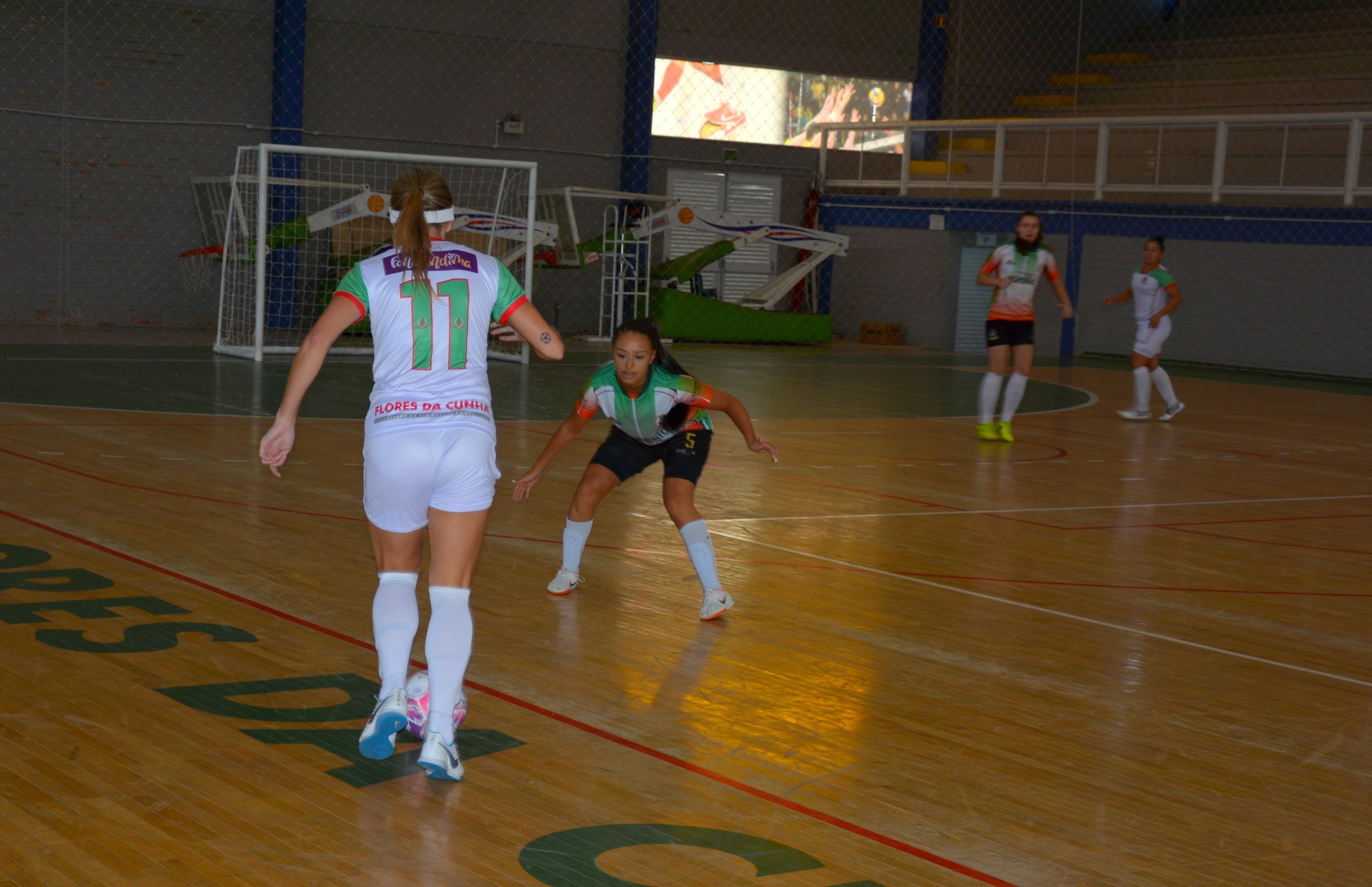 Decisão da Copa FenaVindima de futsal feminino