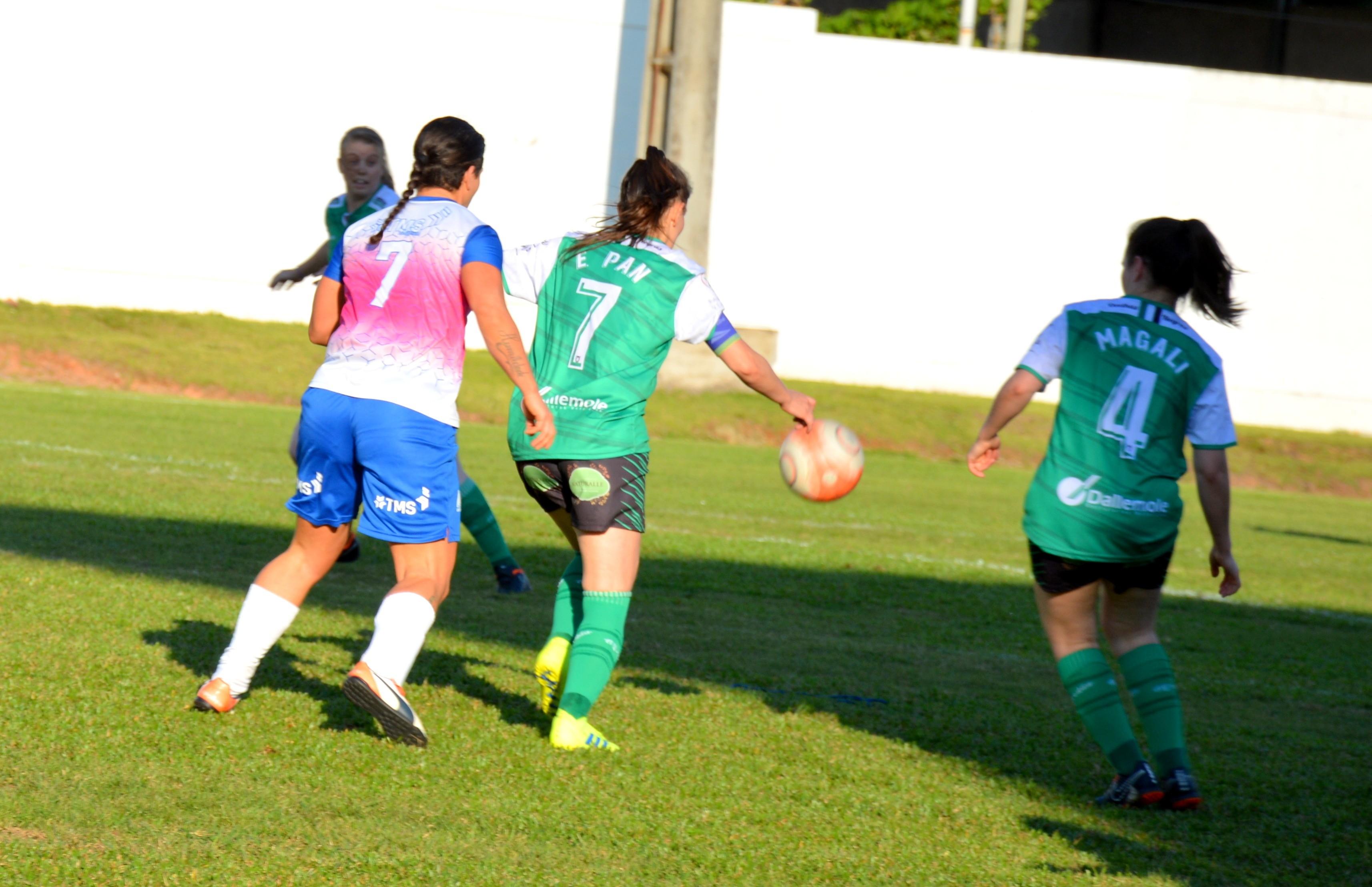 Com cinco equipes, futebol 7 feminino de Flores da Cunha começa neste sábado