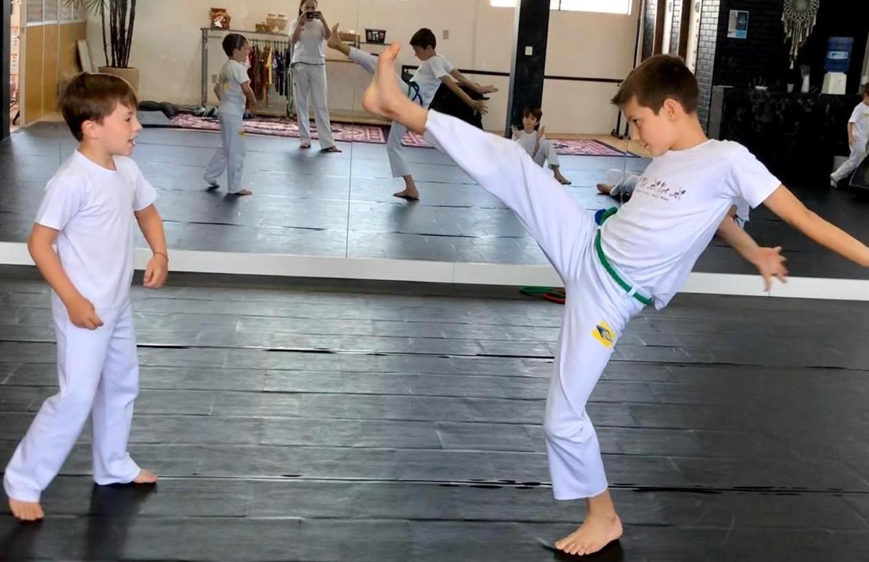 Estão abertas as aulas de capoeira, que traz benefícios para o corpo e a mente