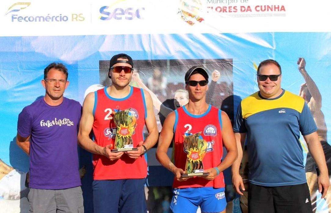 Baiano e Cláudio conquistaram a etapa florense do Circuito SESC de Verão do vôlei de praia masculino