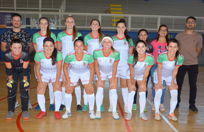 Seleção florense estreia com goleada na Copa FenaVindima de futsal feminino