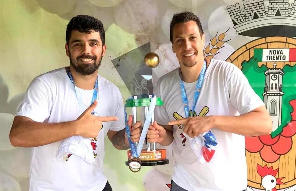 Dupla farroupilhense vence o torneio de taco de Flores da Cunha