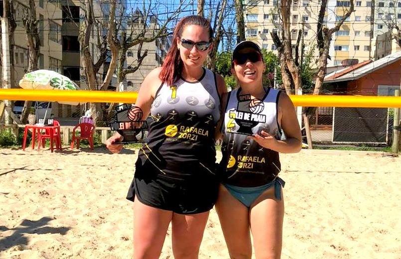 Rafaela Zorzi fica com o 3º lugar no torneio de vôlei de praia
