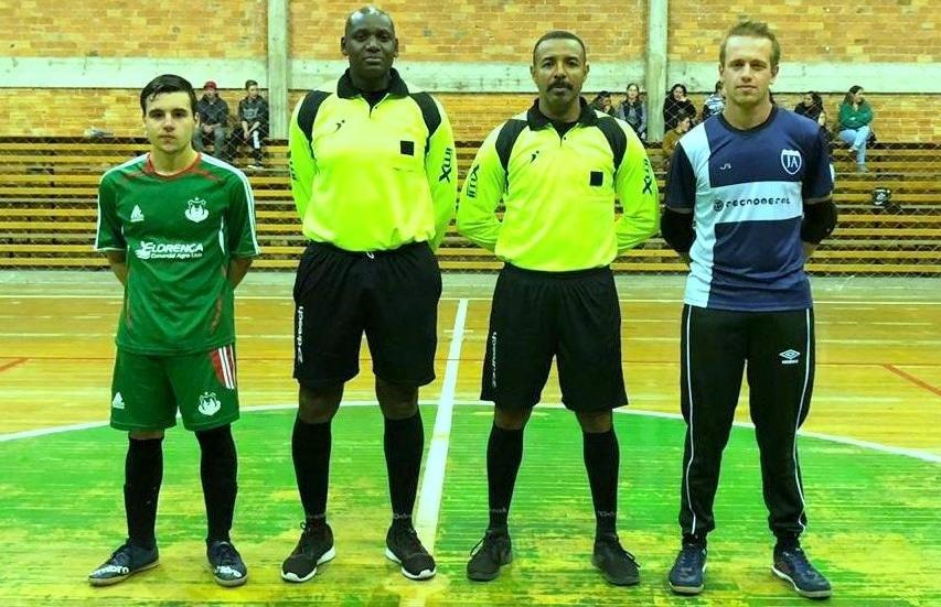 J.A goleia e assume a liderança do grupo no futsal de Nova Pádua