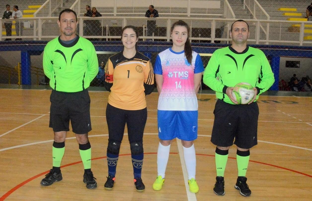 Cruzeiro e Jorgitas decidem o título do futsal feminino de Flores da Cunha