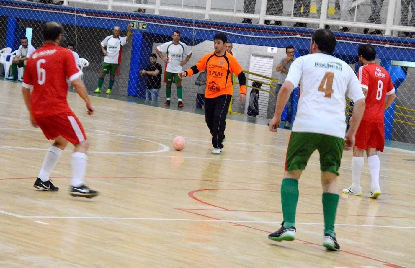J.A, Pitanguá e J.S.A vencem na abertura do futsal veteranos de Flores da Cunha