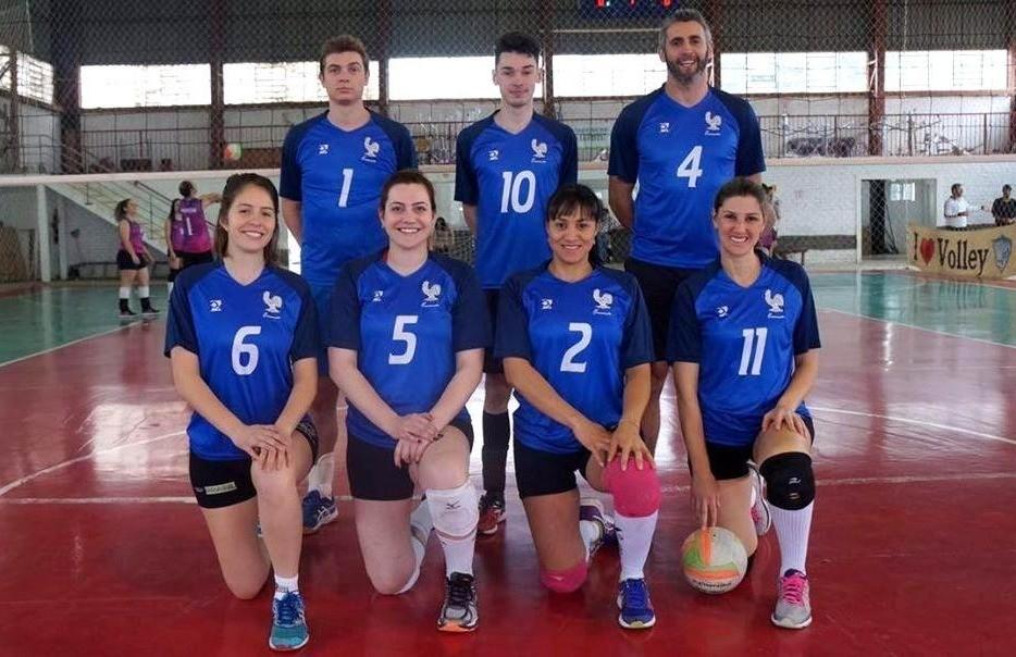 Equipe florense fica com o 3º lugar no torneio de vôlei de quadra misto de Bom Jesus