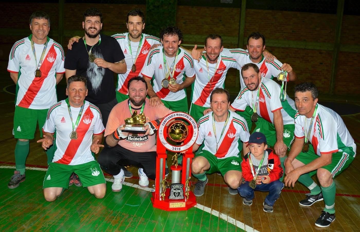 Peru conquista o título do futsal veteranos de Nova Pádua