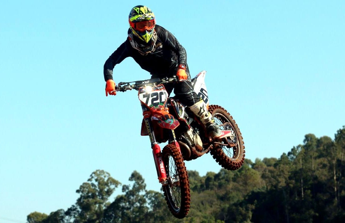 Piloto florense estreia no Sul Brasileiro de Motocross