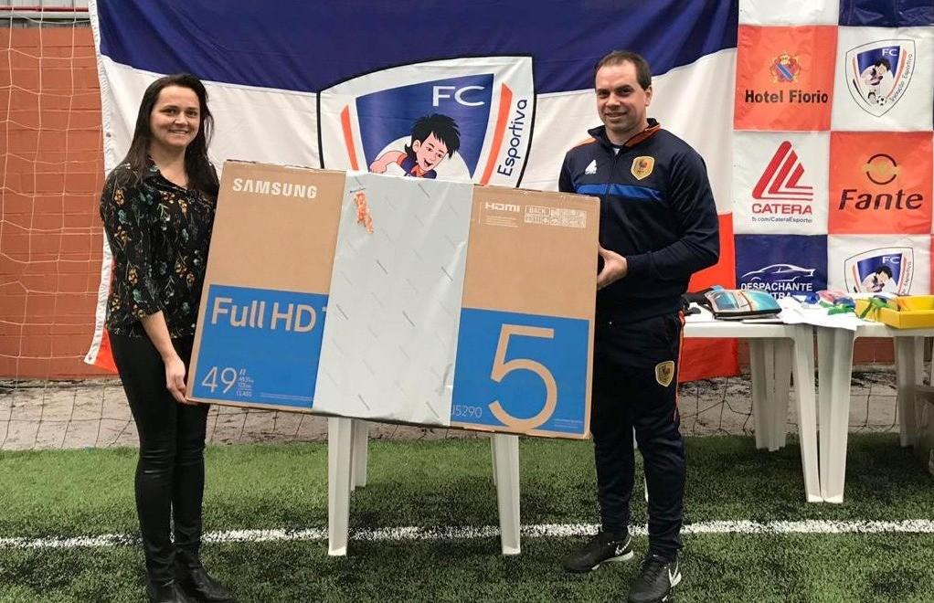 FC Iniciação Esportiva celebra o Dia dos Pais com o campeonato de embaixadas e pênaltis