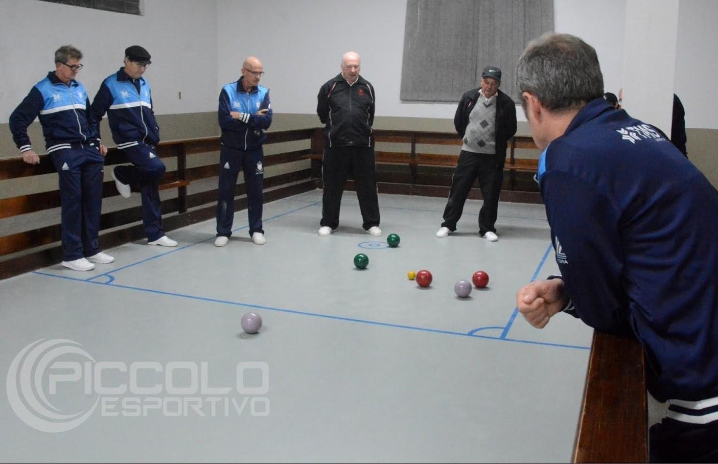 Aparecida e São Tiago vencem jogo de ida da semifinal do Municipal de Bochas Pontobol