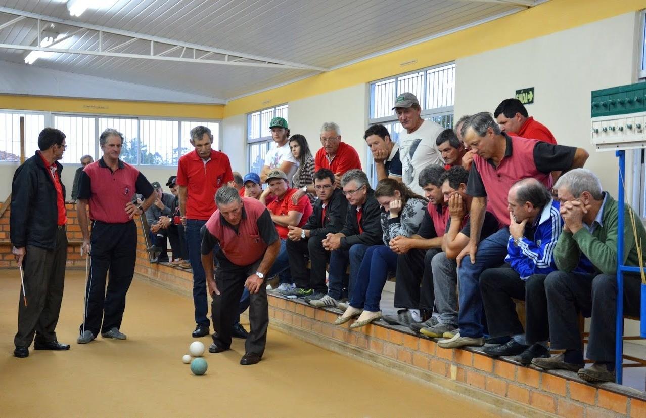 Oito equipes iniciam a disputa do municipal de bochas de Nova Pádua
